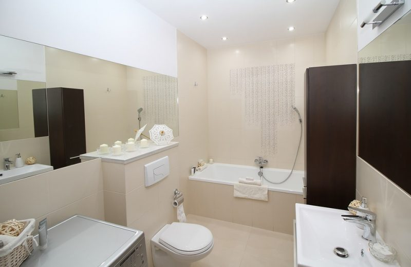 Les sièges de toilette suite à la rénovation de la salle de ...