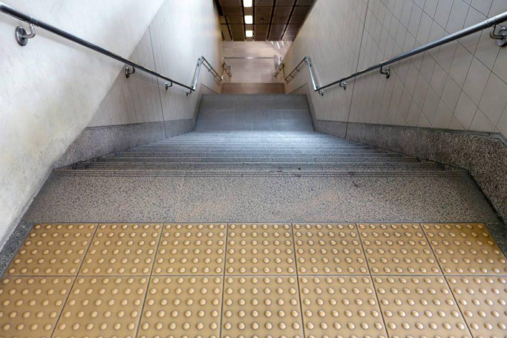 accessibilite escalier